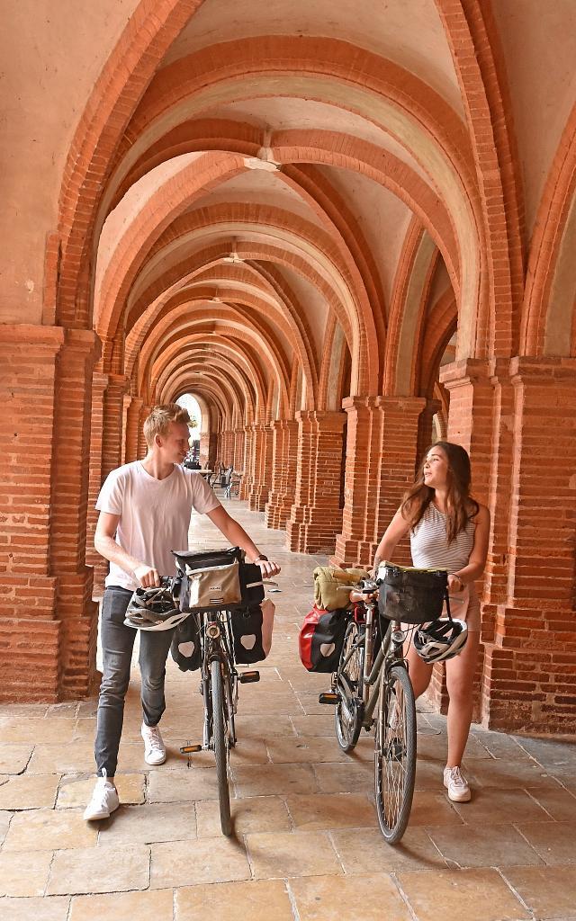Les Couverts de la place Nationale à Montauban