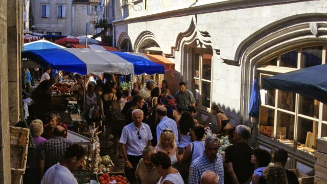 Marché de St-Antonin-Noble-Val
