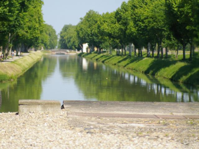 Canal Des Deux Mers